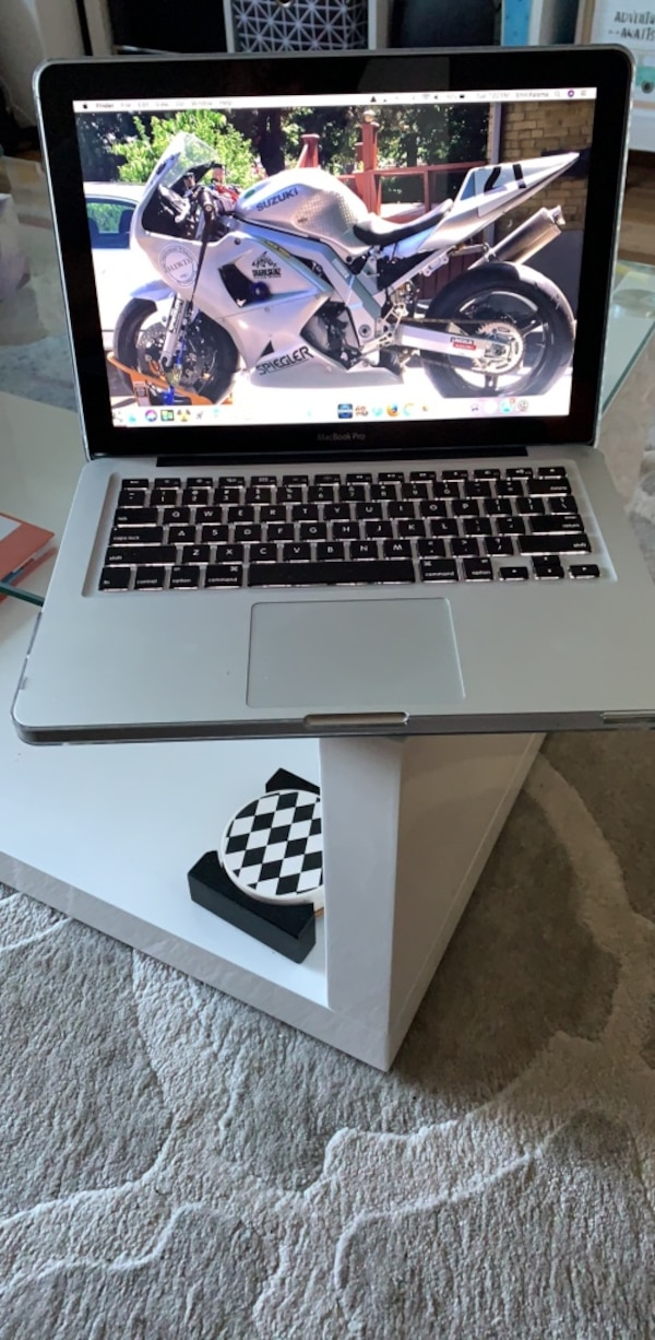"MacBook Pro 13.3"" with 500 GB SSD 0"