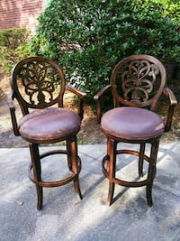 2 Swivel Bar Chairs