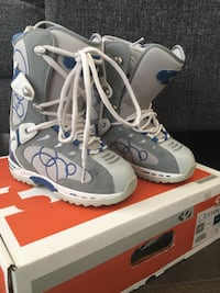 Ladies size 6 Griffen 32 Snowboard Boots Richmond Hill, L4E