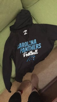 carolina panthers sweatshirt good condition Alexandria, 22307