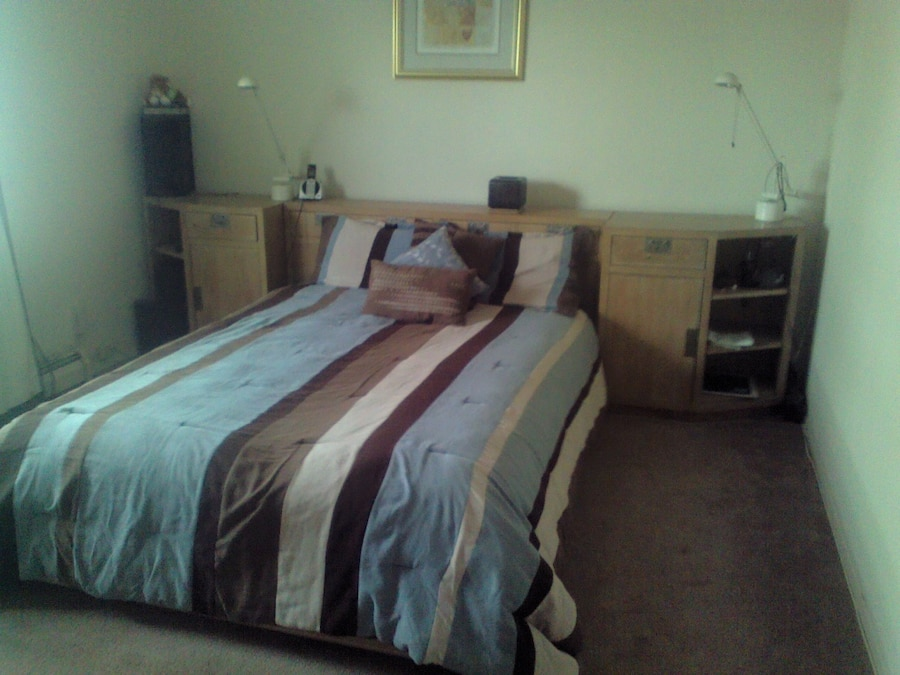 Henredon Bedroom Set, Mattress And Box Spring Not Included! Moving, Must  Sell Asap