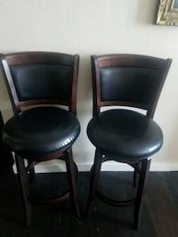 Set of 2 wood and leather bar stools
