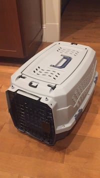 Dog Carry Crate Herndon, 20171