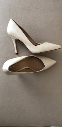 NEW! ALDO cream leather pointed-toe pumps- Size 9 Charlotte, 28202
