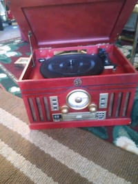 Vintage style CD am FM radio and record player works great