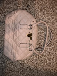 Quilted white leather 2-way handbag Agawam, 01030