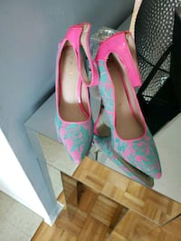 cute pink and green 4 inch heel sz 8 Mississauga, L5B 4B3