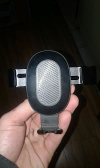 Cell phone holder for vehicles Kelowna, V1Y 8K8