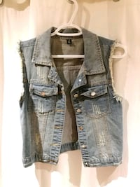 blue denim button-up vest Toronto, M1T 3H3