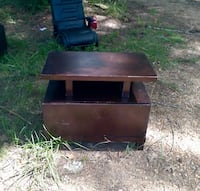 Small tv stand  Cleveland, 77328