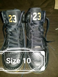 pair of black-and-gray Nike basketball shoes Wenatchee, 98801