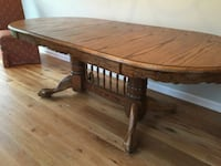 oak table with leaf...no chairs Martinsburg, 25404