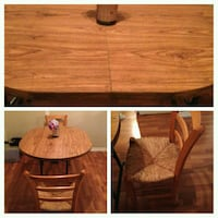 Great starter table and 2 chairs Edmonton, T5H 1X6