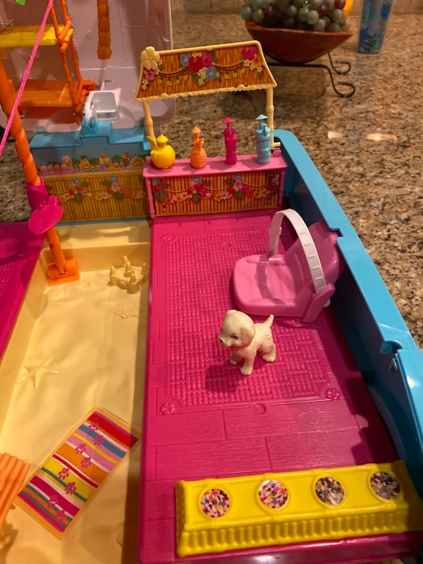 Barbie® Ultimate Puppy Mobile (Brand new never played with but once) 905451af-1e70-4a01-b953-abfd1652b2bb