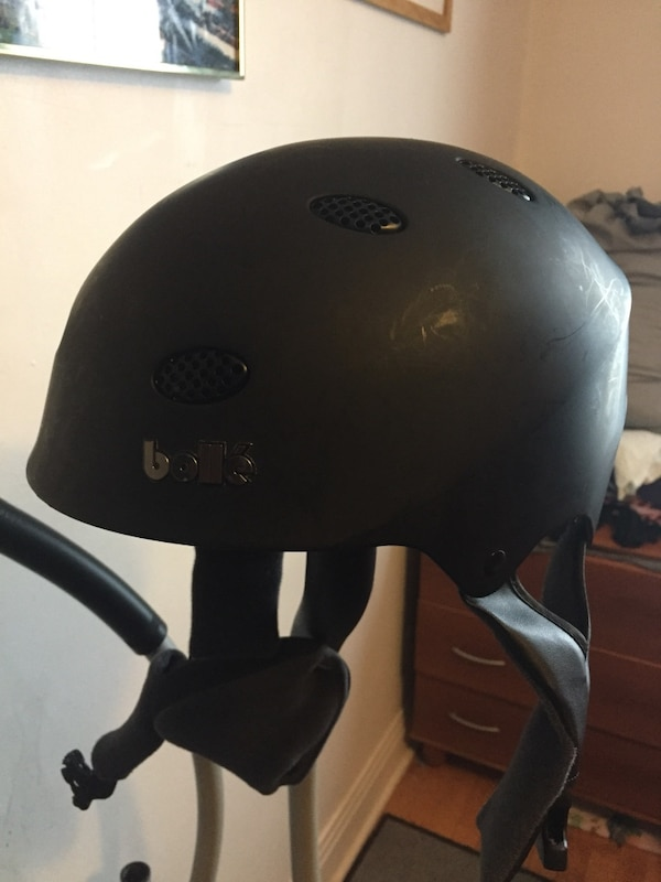 88c2901ab35ac Used Black bolle bicycle helmet for sale in Montréal - letgo