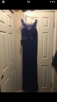 Blue long dress size 16 new with tags runs small Stockton, 95207