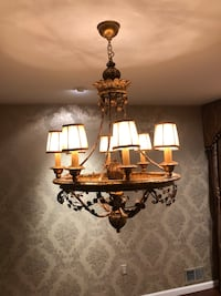 Gold uplight chandelier. Like new. Special order Плейнсборо, 08536