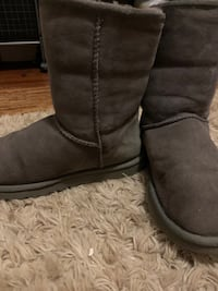 Short style gray ugg boots