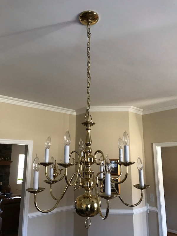 Solid brass chandelier 8b3a1951-c124-4c78-9163-a6e622703afb