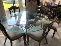 Table and chairs Holly Hill, 32117