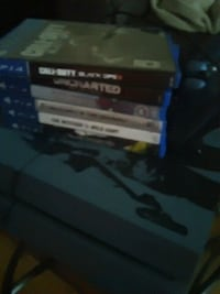 PS4 comes with all games, including controller! Lower Sackville, B4E 1A7