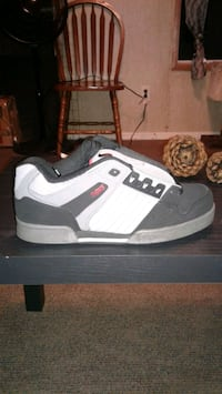 10.5 dvs skate shoes worn twice make offer