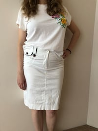 White skirt. Size M Burnaby, V5H