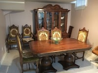 Complete beautiful dining room set..