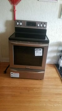 Brand new stove for sale Mississauga, L4T 3Z5