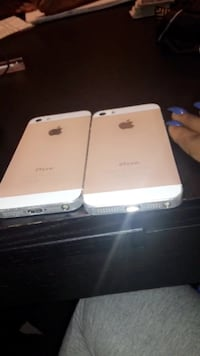 two iPhone 5s for sale , work perfectly fine .. one just cracked . New Orleans, 70122
