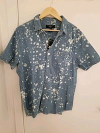 Forever 21 Men's shirt in size small Montréal, H4N