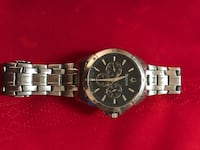 Watch has minor scratches and needs a battery but is a very nice watch Baytown, 77523