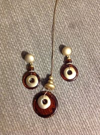 Necklace and earring set 974 mi