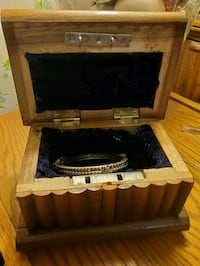 Antique wooden jewelry box Virginia Beach, 23452