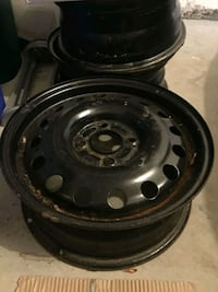 "Set of 4 15"" rims"