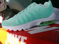 Womens New AIR max Mint 8/8.5 Auburn, 98002