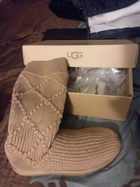 NEW Ugg Boots (NEVER worn)