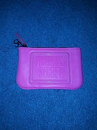 Victoria secrets makeup bag  Brookhaven, 19015