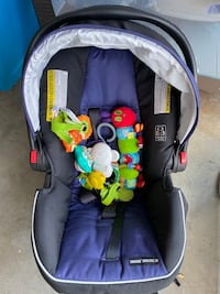 NEW graco infant carseat
