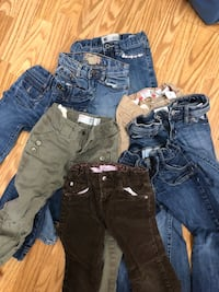 toddler's assorted clothes Selah, 98942