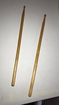 Pair of wooden drumsticks Howell