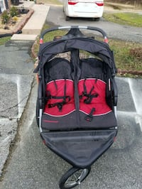 baby's black and red twin stroller Clinton