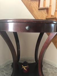 Round wooden single drawer  table Montreal East