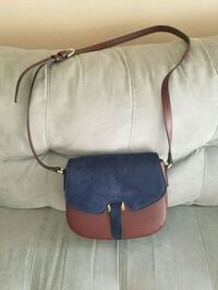 Sling bag in Excellent Condition Surrey