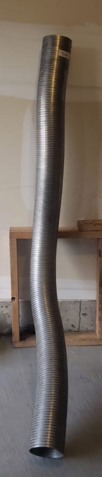 Flexible pipe for commercial truck