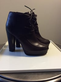 Kelsey Dagger dark brown booties 8.5 Toronto, M4A 2Y2