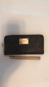 Michael Kors Wallet and Wristlet Mount Airy, 21771