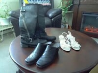 pair of gray leather boots New York Mills, 13417