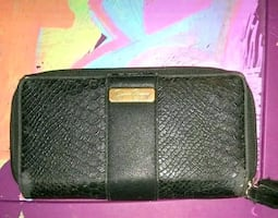 Ashley Simmons wallet