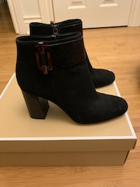 Size 6.5 Micheal Kors boots Toronto, M3H 3Y7